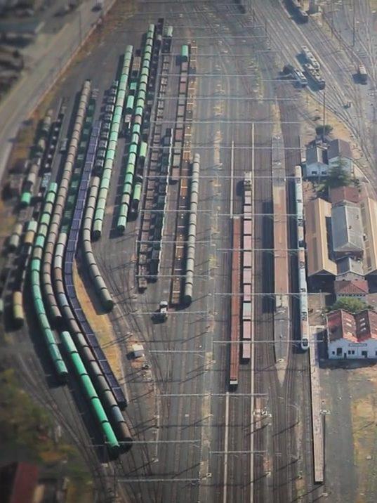 Trenes estacionados en la playa de vías de Adif de Miranda de Ebro